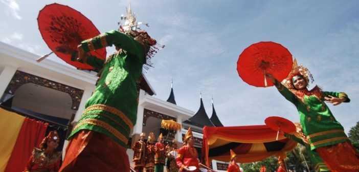 tari-payung-sumatera-barat