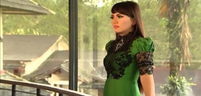 Ria Amelia - Salah Satu Penyanyi Minang Terpopuler